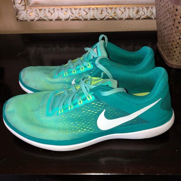Run Womens Green Running Shoes | Poshmark